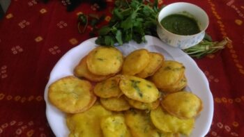 Dhuska - Plattershare - Recipes, Food Stories And Food Enthusiasts