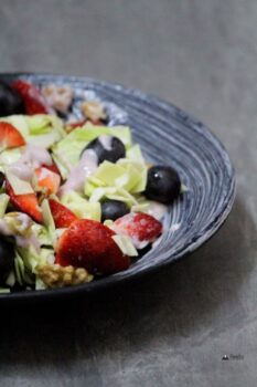 Crunchy Salad With Mixed Berry Mayonnaise - Plattershare - Recipes, Food Stories And Food Enthusiasts