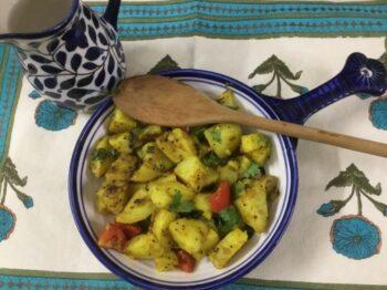 Lasaniya Bataka (Garlicky Potatoes) - Plattershare - Recipes, Food Stories And Food Enthusiasts
