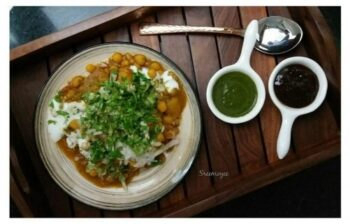 Samosa Ragda - Plattershare - Recipes, Food Stories And Food Enthusiasts