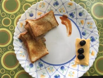 Olives And Onion Sandwich - Plattershare - Recipes, Food Stories And Food Enthusiasts
