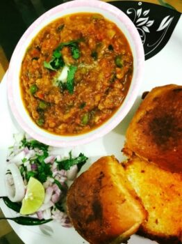 Pav Bhaji - Plattershare - Recipes, Food Stories And Food Enthusiasts