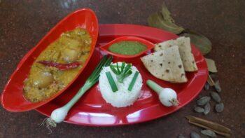 Onion Saalan - Plattershare - Recipes, Food Stories And Food Enthusiasts