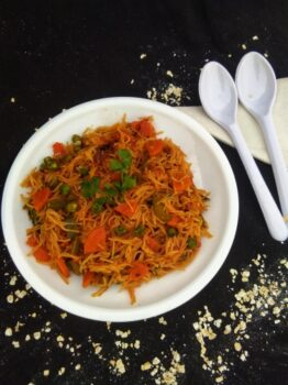 Homemade Oats Vermicelli Upma - Plattershare - Recipes, Food Stories And Food Enthusiasts