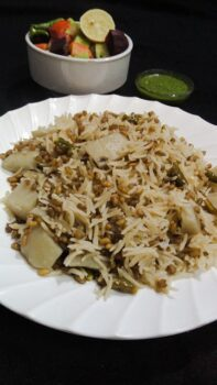 Methi Dana Aloo Khichdi - Plattershare - Recipes, Food Stories And Food Enthusiasts