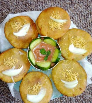 Potato Kachori - Plattershare - Recipes, Food Stories And Food Enthusiasts