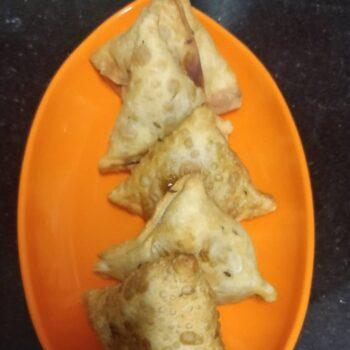 Rajma Ke Samosas - Plattershare - Recipes, Food Stories And Food Enthusiasts