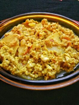 Potato Scrambled Egg Curry - Plattershare - Recipes, Food Stories And Food Enthusiasts
