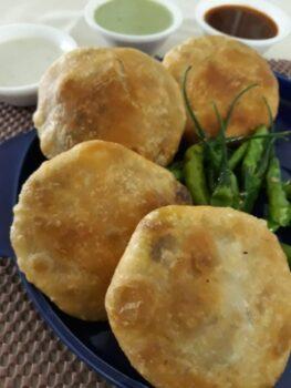 Nashik Wali Aloo-Pyaz Ki Kachori - Plattershare - Recipes, Food Stories And Food Enthusiasts