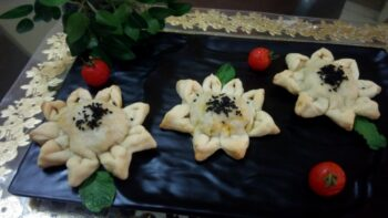 Baked Flower Samosa - Plattershare - Recipes, Food Stories And Food Enthusiasts