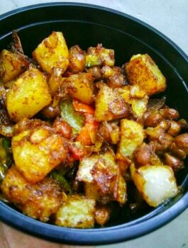 Potato Black Chana Fry - Plattershare - Recipes, Food Stories And Food Enthusiasts