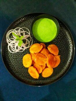 Potato Bajji / Potato Fritters - Plattershare - Recipes, Food Stories And Food Enthusiasts