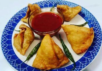 Aloo Samose - Aloo Samosa - Plattershare - Recipes, Food Stories And Food Enthusiasts