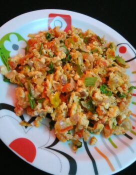 Mashed Potato And Egg Bhurji - Plattershare - Recipes, Food Stories And Food Enthusiasts