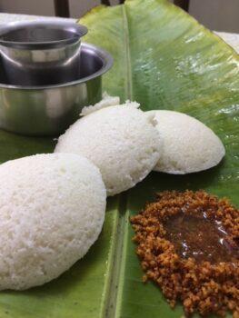 Idli With Milagai Podi - Plattershare - Recipes, Food Stories And Food Enthusiasts