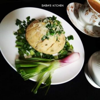 Cheesy Spring Onion Masala Buns (Without Oven) - Plattershare - Recipes, Food Stories And Food Enthusiasts