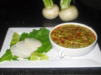 Mooli Ke Patton Ka Saag / Radish Greens Curry - Plattershare - Recipes, Food Stories And Food Enthusiasts