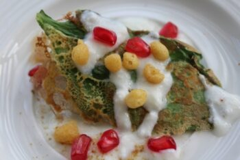 Crispy Palak Chat - Plattershare - Recipes, Food Stories And Food Enthusiasts