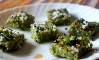 Spinach (Palak) Dhokla - Plattershare - Recipes, Food Stories And Food Enthusiasts