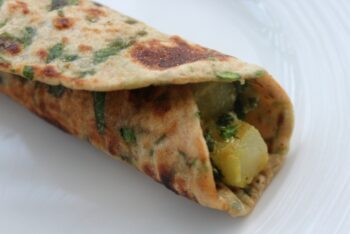 Aloo Methi Paratha Rolls - Plattershare - Recipes, Food Stories And Food Enthusiasts