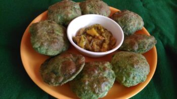 Bathua And Matar Kachori - Plattershare - Recipes, Food Stories And Food Enthusiasts