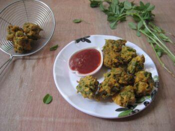 Methi Pakora - Plattershare - Recipes, Food Stories And Food Enthusiasts