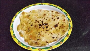 Schewan Paratha - Plattershare - Recipes, Food Stories And Food Enthusiasts