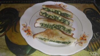 Spinach And Corn Sandwich - Plattershare - Recipes, Food Stories And Food Enthusiasts