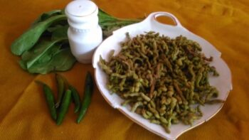Spinach Sev - Plattershare - Recipes, Food Stories And Food Enthusiasts