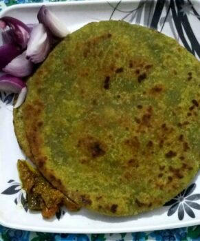 Bathua Parathas - Plattershare - Recipes, Food Stories And Food Enthusiasts