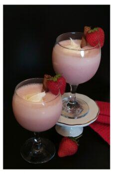 Strawberry Milkshake - Plattershare - Recipes, Food Stories And Food Enthusiasts
