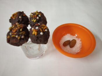 Choco Lollipop With Cocoa Powder - Plattershare - Recipes, Food Stories And Food Enthusiasts