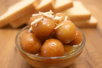 Bread Gulab Jamun - Plattershare - Recipes, Food Stories And Food Enthusiasts