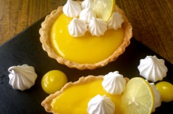 Buttery Lemon Tart With Crispy Meringue - Plattershare - Recipes, Food Stories And Food Enthusiasts