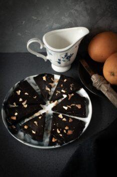 Vegan Orange Olive Oil Chocolate Bark - Plattershare - Recipes, Food Stories And Food Enthusiasts