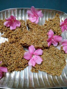 Seasame Chikki /Tilgud Chikki - Plattershare - Recipes, Food Stories And Food Enthusiasts