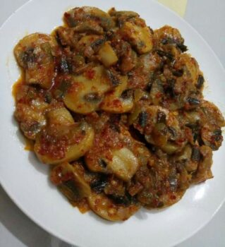 Spicy Garlic Mushrooms - Plattershare - Recipes, Food Stories And Food Enthusiasts