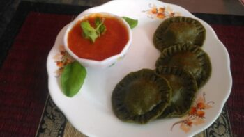 Spinach Rivoli With Tomato Cream Sauce - Plattershare - Recipes, Food Stories And Food Enthusiasts