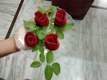 Rose Samosa - Plattershare - Recipes, Food Stories And Food Enthusiasts