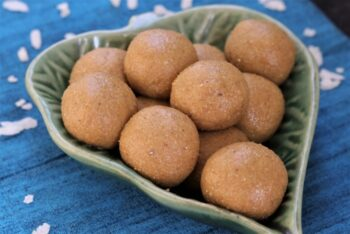 Poha Ladoo - Plattershare - Recipes, Food Stories And Food Enthusiasts