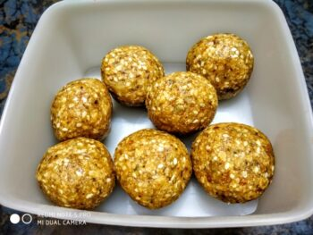 Laddoo With Leftover Roti - Plattershare - Recipes, Food Stories And Food Enthusiasts