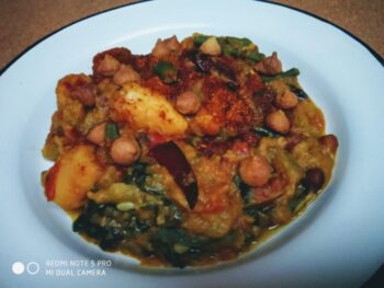 Malabar Spinach Curry - Plattershare - Recipes, Food Stories And Food Enthusiasts