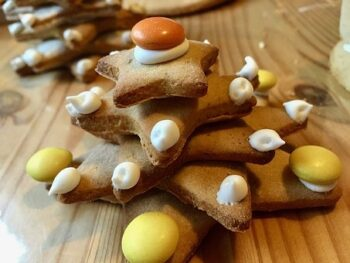 Apple Gingerbread Cake Recipe - Plattershare - Recipes, Food Stories And Food Enthusiasts