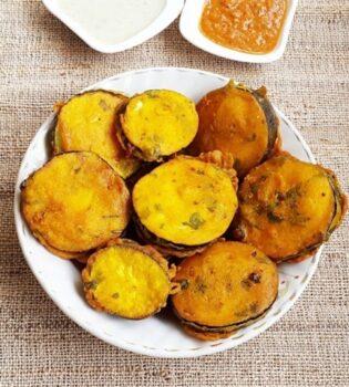 Eggplant Pakora Recipe - Baingan Pakora/Pakoda - Plattershare - Recipes, Food Stories And Food Enthusiasts