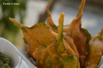 Crispy Palak Pakora (Spinach Fritter) - Plattershare - Recipes, Food Stories And Food Enthusiasts