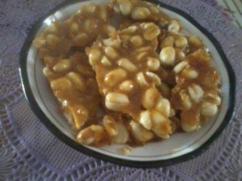 Home Made Groundnut Chikki/Shengdana Chikki - Plattershare - Recipes, Food Stories And Food Enthusiasts