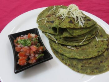 Fusion Spinach Parathas With Onion-Tomato Salsa - Plattershare - Recipes, Food Stories And Food Enthusiasts