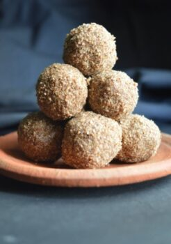 Sesame &Amp; Beaten Rice Laddu With Coconut Sugar - Plattershare - Recipes, Food Stories And Food Enthusiasts