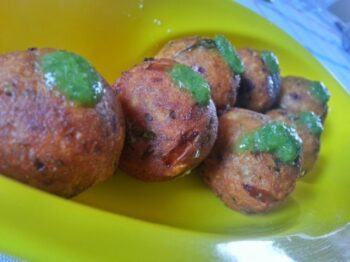 Spicy Banana Balll - Plattershare - Recipes, Food Stories And Food Enthusiasts