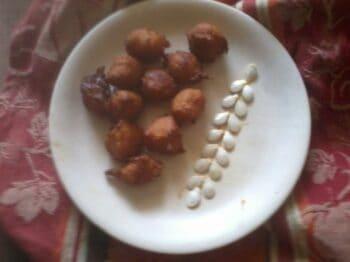 Bonda With Mashed Pumpkin/Sweet Pakoda - Plattershare - Recipes, Food Stories And Food Enthusiasts